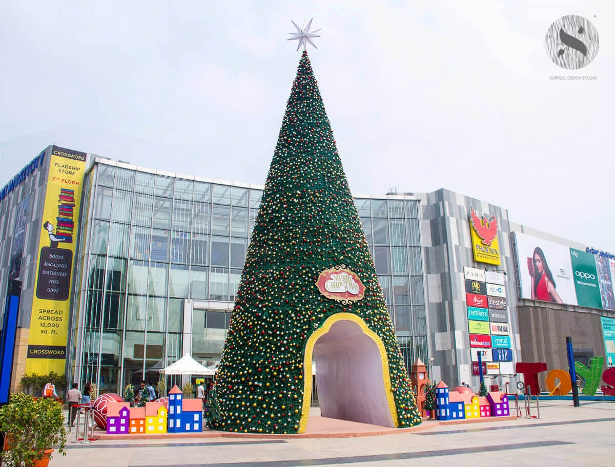 India's Tallest Christmas Tree 2 years running in collaboration with Phoenix Market City, Bengaluru. The Christmas tree is 75 feet tall and with over 50,000 sparkling lights.